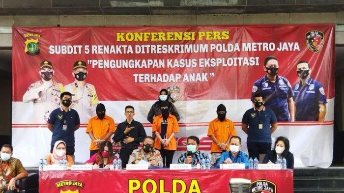 Polda Metro Jaya menggelar konferensi pers kasus dugaan prostitusi dengan tersangka artis Cynthiara Alona, Jumat (19/3/2021).