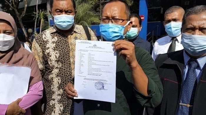 Kuasa hukum korban dugaan penipuan jabatan CPNS, Odie Hudiyanto melaporkan pasangan suami istri yang menjanjikan jabatan di sejumlah instansi di Polda Metro Jaya, Jumat (24/9/2021). Salah satunya diduga Putri artis Nia Daniaty.