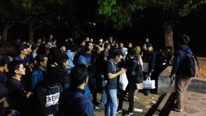 Ratusan Mahasiswa Undip Berangkat ke Jakarta dengan Bus, Ikut Aksi di DPR RI