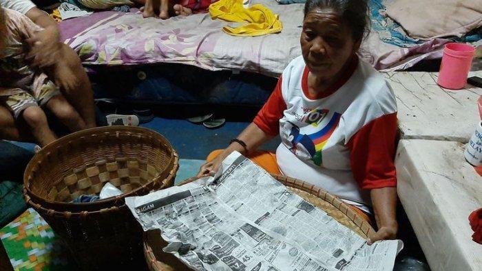 Kembali Senyum, Mbah Ginem Penjual Jajanan Pasar Korban Perampokan Orang Tak Dikenal Dibantu Jokowi