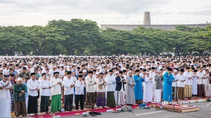 Niat dan Tata Cara Sholat Ied Jelang Idul Fitri 1442H, Ketentuan Jika Ditunaikan Berjamaah & Sendiri