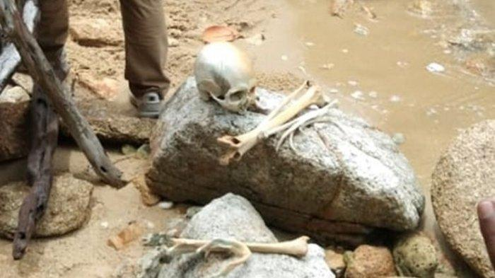 Misteri Bungkusan Kain 'Aneh' di Tambak, saat Dibuka Isinya Kerangka Manusia Dewasa & Anak-anak