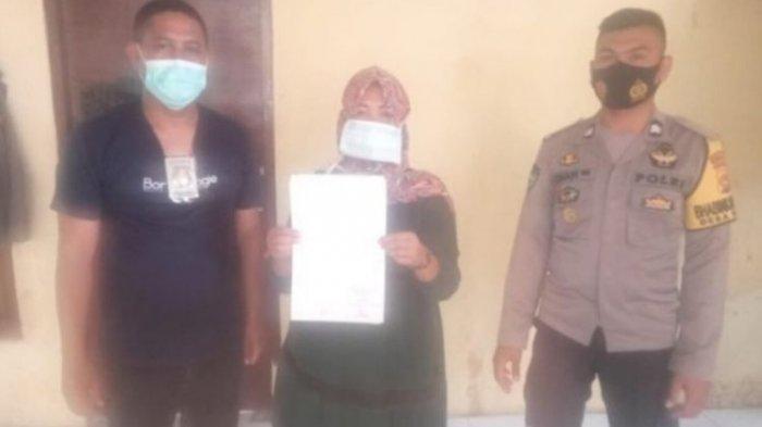 Polisi akhirnya menetapkan RS (40) warga asal Desa Dena, Kecamatan Madapangga, Kabupaten Bima sebagai tersangka. Istri muda ini ditetapkan tersangka setelah menganiaya suaminya sendiri, Anwar (50) dengan cara menyiramkan minyak panas.
