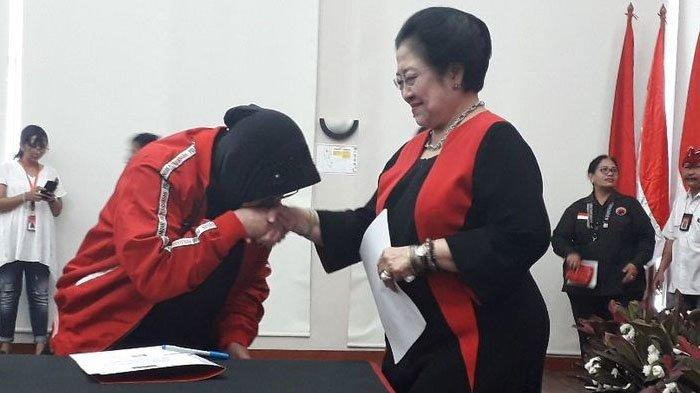 Sekjen PDI-P Hasto Kristiyanto disebut sempat jengkel dan ngamuk-ngamuk saat hoaks Megawati sakit beredar luas.