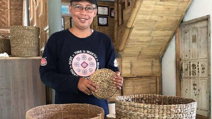 Tangis Kekecewaan Ibu Indra Tahu Anaknya yang Sarjana Pilih Jadi Pemulung, Kini Berbuah Manis
