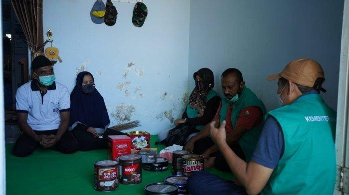 Tangis Istri Serda Eta Misnari Baca Chat Terakhir Suami Sebelum Tenggelam : Jangan Lupakan Sholat