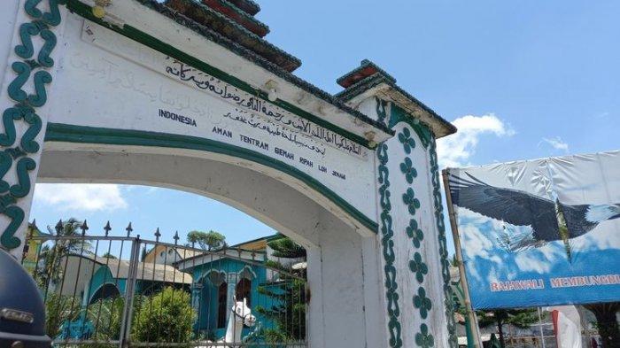 Situasi sebuah rumah di Pandeglang yang viral di media sosial, disebut Kerajaan Angling Dharma, Rabu (22/9/2021).