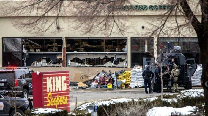 Brutal, Pria Bersenjata Api di Amerika Serikat Masuk Swalayan & Tembak Para Pembeli, 10 Orang Tewas!