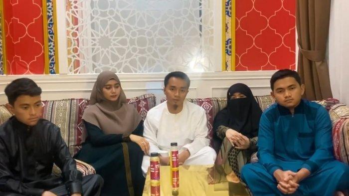 Pihak travel angkat bicara mengenai tudingan penggelapan dana umrah yang ditujukan pada Taqy Malik.
