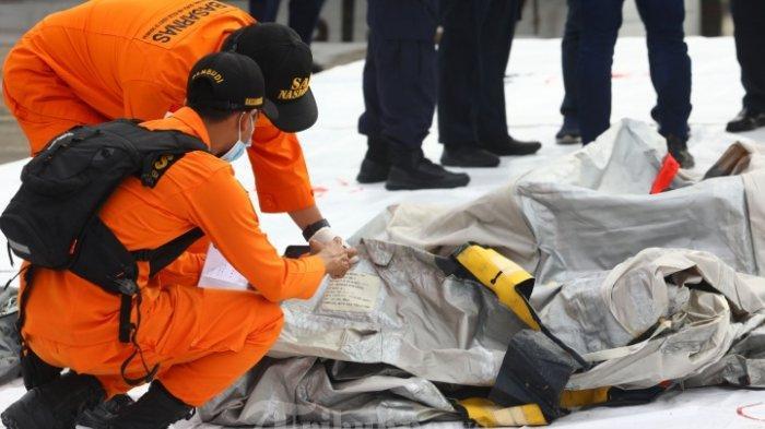 Ungkap Temuan Sementara Pencarian Korban Sriwijaya Air, Basarnas Berhasil Angkat 18 Kantong Jenazah