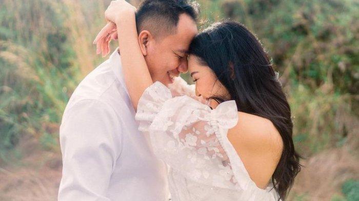 Kalina Ocktaranny umumkan kehamilan anak pertama dari Vicky Prasetyo.