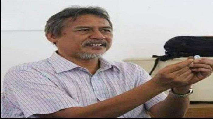 Zaim Saidi, pendiri Muamalah Depok yang ditangkap polisi karena menggelar transaksi memakai mata uang dinar dan dirham. Sempat pamit lewat Instagram