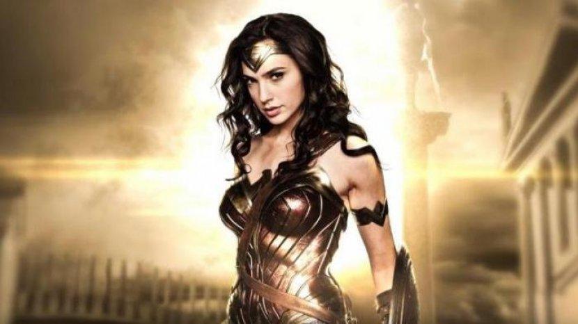artis-peran-dari-israel-gal-gadot-dalam-film-wonder-woman.jpg