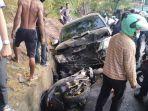 kecelakaan-mobil-tabrak-polwan.jpg