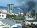 pembakaran-gedung-demo-di-jayapura.jpg