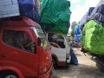 sopir-truk-terlantar.jpg