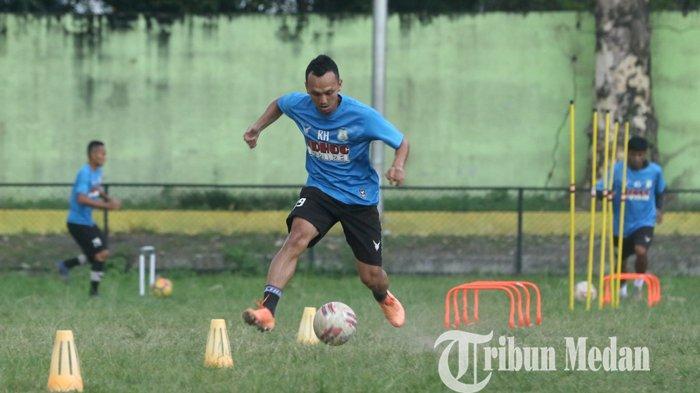 RIVALDO Ramaikan Latihan Gabungan di Markas PSMS Stadion Kebun Bunga