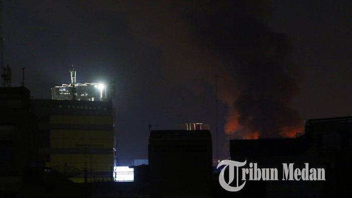 Kebakaran Melanda Kawasan Padat Penduduk di Jalan S Parman Medan, Warga: Api Tiba-tiba Membesar