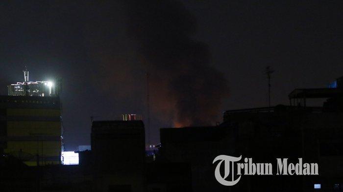 Berita Foto: Kebakaran Hebat di Pemukiman Padat Penduduk di Jalan S Parman - 01102019_kebakaran_danil_siregar-2.jpg
