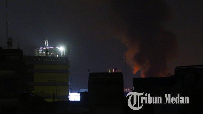 Berita Foto: Kebakaran Hebat di Pemukiman Padat Penduduk di Jalan S Parman - 01102019_kebakaran_danil_siregar.jpg