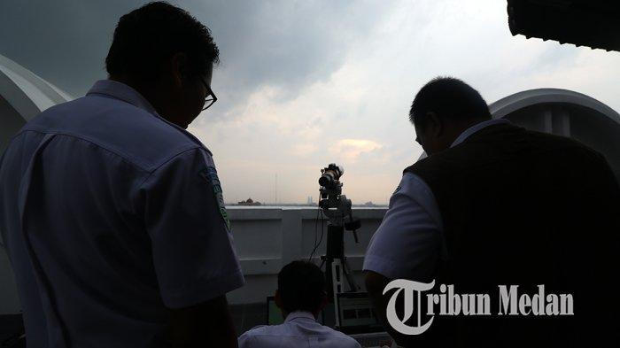 Foto-Foto Pantauan Rukyatul Hilal 1 Syawal 1440 Hijriyah di Medan - 03062019_pantauan_hilal_satu_syawal_danil_siregar-3.jpg