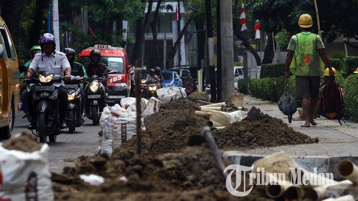 Berita Foto: Proyek Galian Kabel PLN di Jalan Inti Kota Medan Memicu Kemacetan Lalu Lintas - 03092019_galian_kabel_pln_danil_siregar-1.jpg
