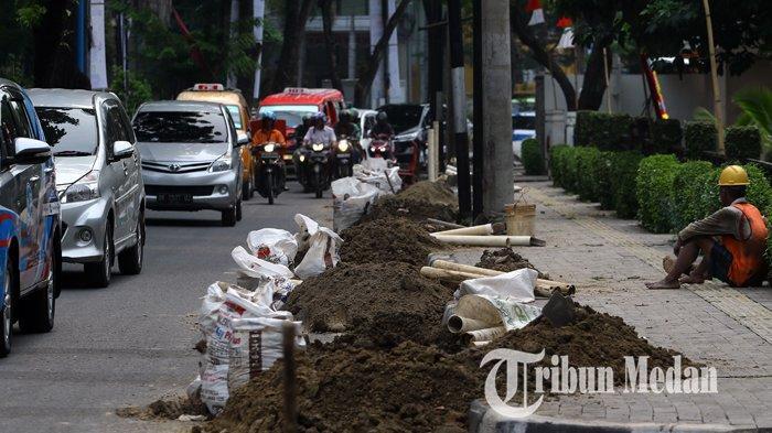 Berita Foto: Proyek Galian Kabel PLN di Jalan Inti Kota Medan Memicu Kemacetan Lalu Lintas - 03092019_galian_kabel_pln_danil_siregar-2.jpg