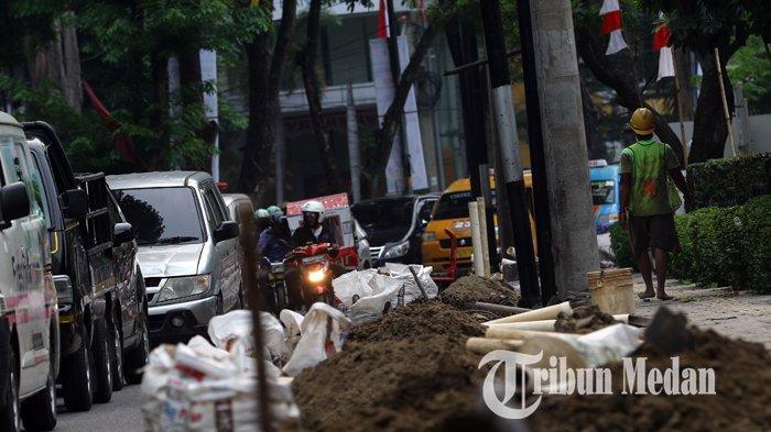 Berita Foto: Proyek Galian Kabel PLN di Jalan Inti Kota Medan Memicu Kemacetan Lalu Lintas - 03092019_galian_kabel_pln_danil_siregar.jpg
