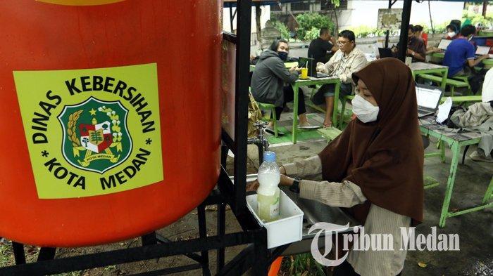 Berita Foto: Dinas Kebersihan dan Pertamanan Kota Medan Menambah Unit Fasilitas Area Cuci Tangan - 06042020_fasilitas_cuci_tangan_danil_siregar-1.jpg