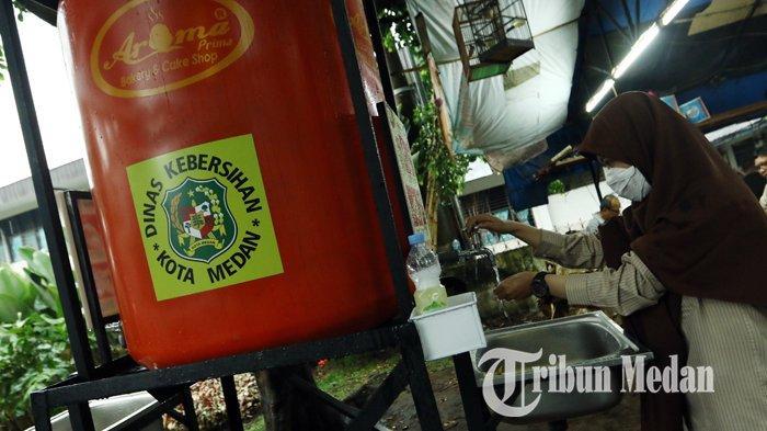 Berita Foto: Dinas Kebersihan dan Pertamanan Kota Medan Menambah Unit Fasilitas Area Cuci Tangan - 06042020_fasilitas_cuci_tangan_danil_siregar-2.jpg