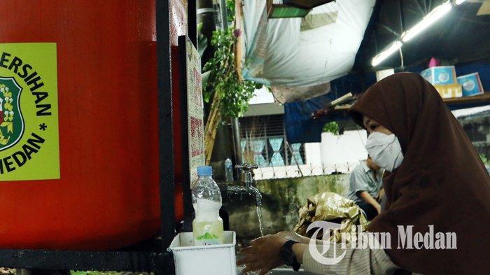 Berita Foto: Dinas Kebersihan dan Pertamanan Kota Medan Menambah Unit Fasilitas Area Cuci Tangan - 06042020_fasilitas_cuci_tangan_danil_siregar.jpg