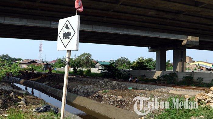 Berita Foto: Pembangunan Jalan Tol Medan-Binjai Seksi I Ditargetkan Beroperasi Desember 2019 - 10102019_jalan_tol_danil_siregar-2.jpg