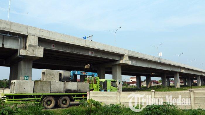 Berita Foto: Pembangunan Jalan Tol Medan-Binjai Seksi I Ditargetkan Beroperasi Desember 2019 - 10102019_jalan_tol_danil_siregar.jpg