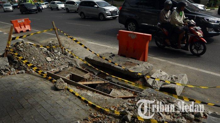 Berita Foto : Perbaikan Drainase Untuk Mengurai Banjir di Kawasan Lapangan Merdeka Medan - 12082019_perbaikan_drainase_danil_siregar-2.jpg