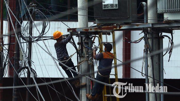 Berita Foto: Pengerjaan Jaringan Listrik Guna Mengurangi Gangguan yang Mengakibatkan Pemadaman - 13092109_perbaikan_jaringan_listrik_danil_siregar-1.jpg