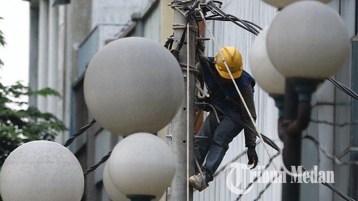Berita Foto: Pengerjaan Jaringan Listrik Guna Mengurangi Gangguan yang Mengakibatkan Pemadaman - 13092109_perbaikan_jaringan_listrik_danil_siregar-3.jpg