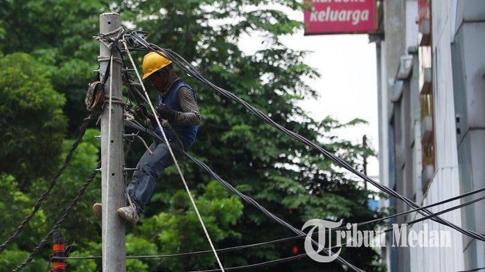 Berita Foto: Pengerjaan Jaringan Listrik Guna Mengurangi Gangguan yang Mengakibatkan Pemadaman - 13092109_perbaikan_jaringan_listrik_danil_siregar.jpg