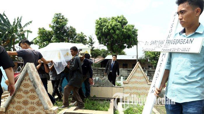 Berita Foto: Isak Tangis dan Doa Anggota Keluarga di Pemakaman Sarman Panggabean - 14012020_pemakaman_sarman_panggabean_danil_siregar-1.jpg