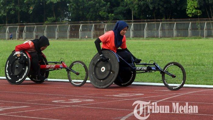 Berita Foto: Atlet wheelchair National Paralympic Comitte (NPC) Sumatera Utara Melakukan Persiapan