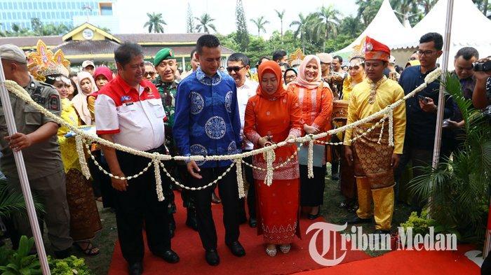 Berita Foto: Wagub Sumut Resmi membuka Pekan Inovasi dan Investasi Sumatera Utara 2019 - 25072019_pekan_inovasi_dan_investasi_sumut_danil_siregar.jpg