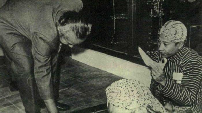Soeharto: Sosok Presiden ke-2 Indonesia yang Rajin Semedi di Puncak Gunung Lawu
