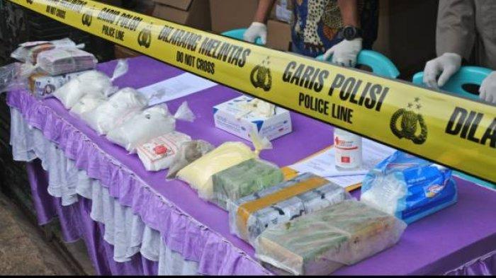 Polisi Gerebek Pabrik Pembuatan Masker Organik Ilegal dan Belum Ada Izin BPOM, Ini 4 Mereknya