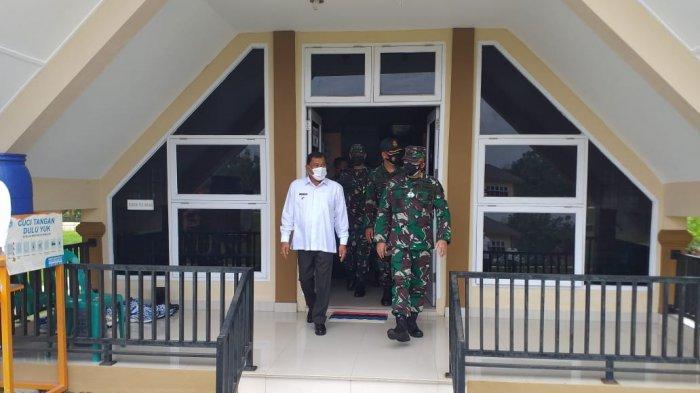 Bupati Ashari Bersama Wakil Gubernur Akademi Angkatan Udara Kunjungi Posko Satlak III Elang