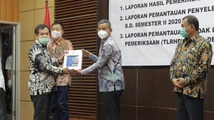 Hadiri Penyerahan LPH Kepatuhan Belanja Daerah, Sekda Kota Medan Minta OPD Kerja Sesuai Aturan