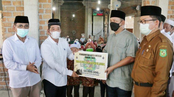 Ikuti Safari Ramadhan, Wali Kota Bobby Minta Masjid Jadi Penggerak Ekonomi