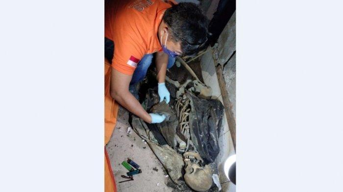 Sesosok tengkorak ditemukan di sebuah rumah kosong di Jalan Asahan, Nagori Siantar Estate, Kabupaten Simalungun. (Tribun-medan.com/HO)