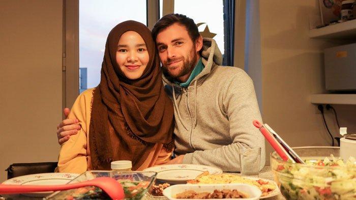 Obati Rindu Ramadan di Medan, Adin Lubis Hias Rumah dengan Pernak-pernik Ramadan di Belgia