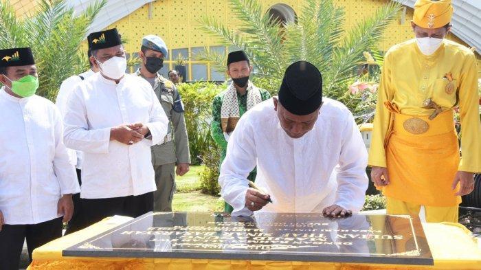 Bupati Deli Serdang Ashari Tambunan Resmikan Masjid Agung Sultan Thaf Sinar Basarsyah