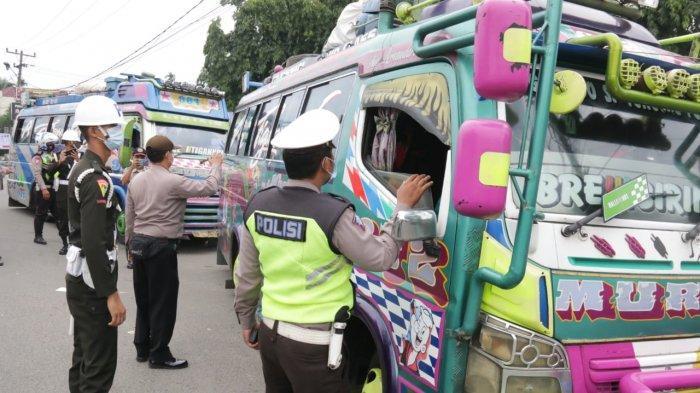 Pemko Medan, Kodim 0201/BS dan Polrestabes Medan Lakukan Penyekatan Pintu Masuk ke Kota Medan