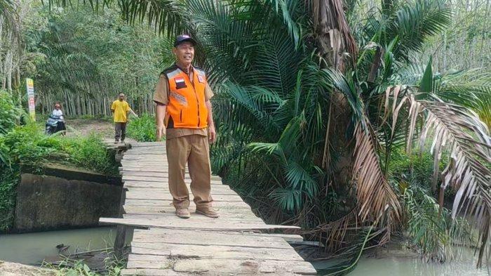 SOSOK Ahmad Rajali, Kabid Rehabilitasi BPBD Asahan, Pernah Jadi Penyanyi Dibayar Rp 7 Ribu